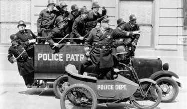 vintage-police-department-1920x1200-1094x641-720x422